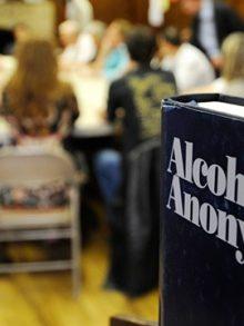 El alcoholismo y como con ellos luchar los medios públicos